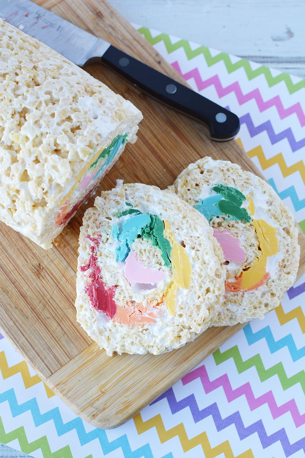sliced rainbow pinwheel rice krispie treat
