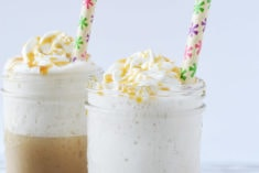 caramel frappuccino drinks