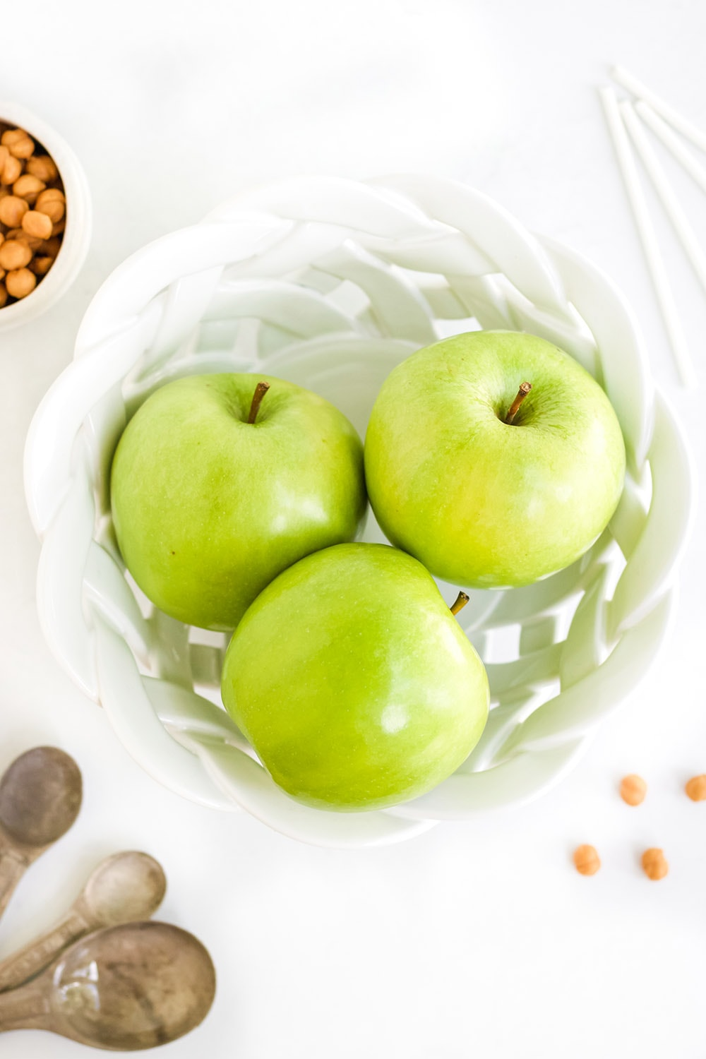 granny smith apples in a bowl