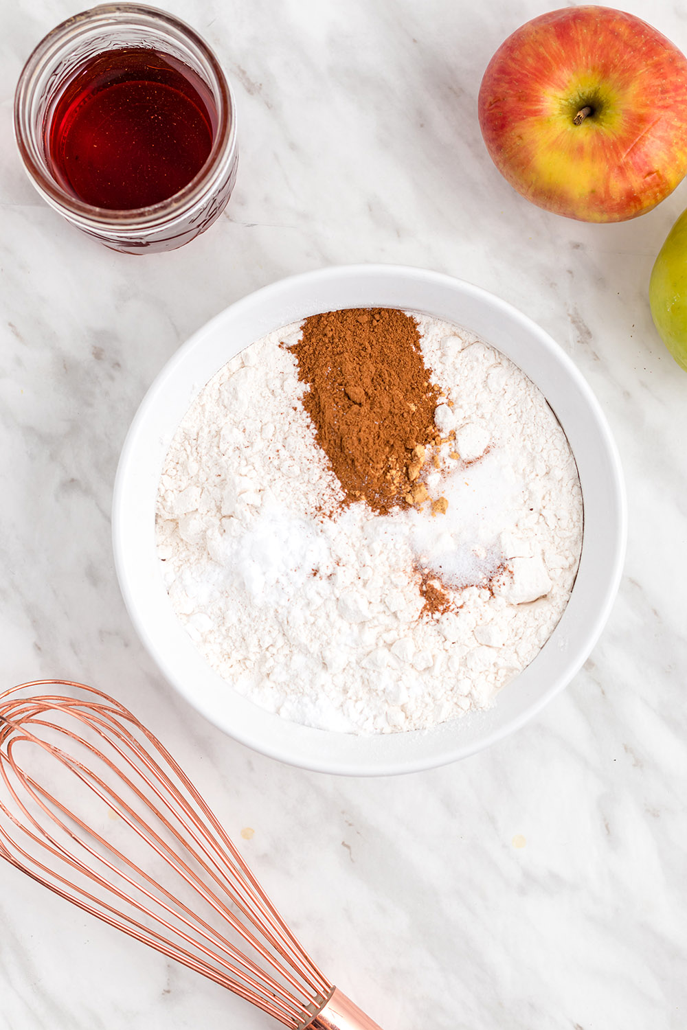 Flour and cinnamon in a bowl.